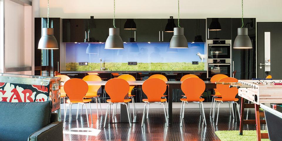 Individuell bedruckte Küchenwand