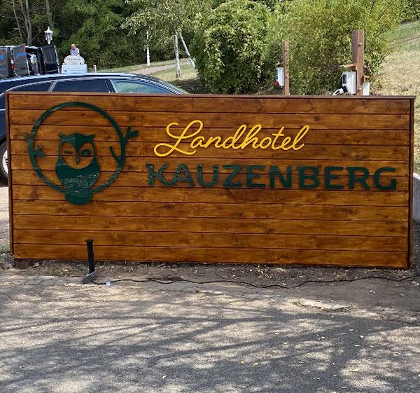 Schild Kauzenberg